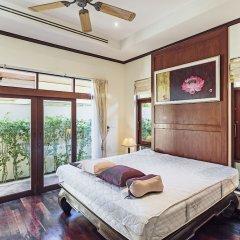 Отель Villa in Bangtao in Les Palmares Villa 8 комната для гостей фото 2