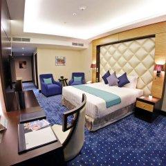Отель Armada BlueBay сейф в номере