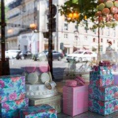 Отель Luxury 2 Bedroom With AC - Louvre & Champs Elysees Париж интерьер отеля