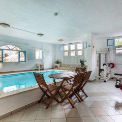 Отель Sofos Studios Fitness & Spa бассейн