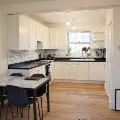Апартаменты 2 Bedroom Apartment in Clapham Sleeps 4 в номере