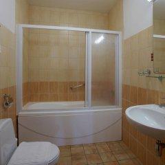 Отель Edvards Латвия, Рига - 2 отзыва об отеле, цены и фото номеров - забронировать отель Edvards онлайн ванная фото 2