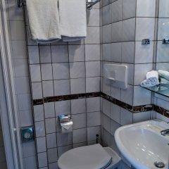 Отель KNM MS Switzerland I - Düsseldorf Германия, Дюссельдорф - отзывы, цены и фото номеров - забронировать отель KNM MS Switzerland I - Düsseldorf онлайн ванная фото 2