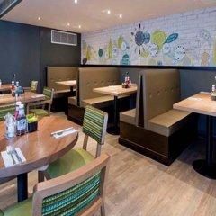 Отель Premier Inn London Southwark (High St) Великобритания, Лондон - отзывы, цены и фото номеров - забронировать отель Premier Inn London Southwark (High St) онлайн гостиничный бар