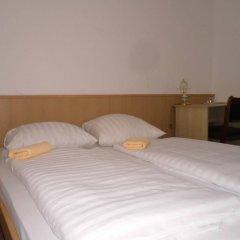 Hotel Pension Intervarko комната для гостей