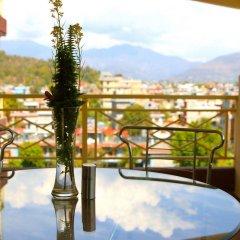 Отель Splendid View Непал, Покхара - отзывы, цены и фото номеров - забронировать отель Splendid View онлайн балкон