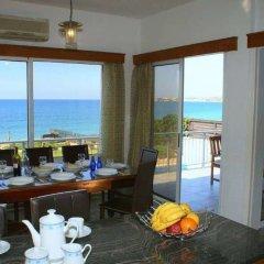 Отель Blue Coral Beach Villas питание