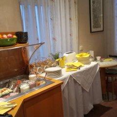 Отель Aviano Pension питание фото 3
