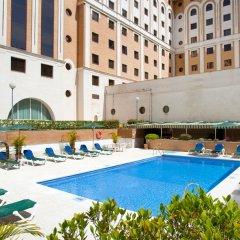 Отель Ayre Hotel Sevilla Испания, Севилья - 2 отзыва об отеле, цены и фото номеров - забронировать отель Ayre Hotel Sevilla онлайн бассейн фото 3
