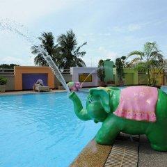 Отель Angket Hip Residence Таиланд, Паттайя - 1 отзыв об отеле, цены и фото номеров - забронировать отель Angket Hip Residence онлайн бассейн