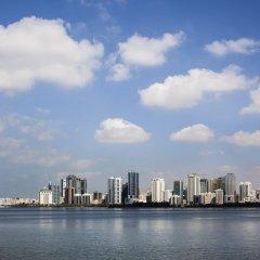 Отель Hilton Sharjah ОАЭ, Шарджа - 10 отзывов об отеле, цены и фото номеров - забронировать отель Hilton Sharjah онлайн приотельная территория