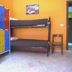 Ostello California - Hostel сейф в номере
