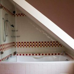 Отель Charles Bridge Apartments Чехия, Прага - отзывы, цены и фото номеров - забронировать отель Charles Bridge Apartments онлайн ванная