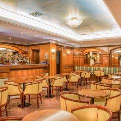 Hotel Capital Inn гостиничный бар