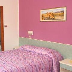 Hotel Sandra Римини комната для гостей