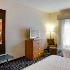 Отель Fairfield Inn And Suites By Marriott Lake City Лейк-Сити удобства в номере фото 2