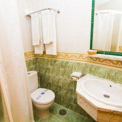 Отель Hostal Los Corchos ванная фото 2