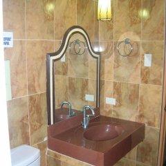 Отель Ancestors Pension House Филиппины, Мандауэ - отзывы, цены и фото номеров - забронировать отель Ancestors Pension House онлайн ванная фото 2