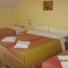 Hotel Carmen Viserba Римини комната для гостей фото 3