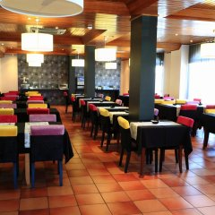 Отель Caldas Internacional Калдаш-да-Раинья питание