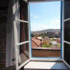 Bergama Tas Konak Турция, Дикили - 1 отзыв об отеле, цены и фото номеров - забронировать отель Bergama Tas Konak онлайн комната для гостей фото 2
