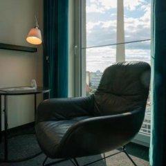 Отель Motel One Berlin-Alexanderplatz Германия, Берлин - 1 отзыв об отеле, цены и фото номеров - забронировать отель Motel One Berlin-Alexanderplatz онлайн комната для гостей фото 2