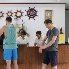 Отель First Bungalow Beach Resort Таиланд, Самуи - 6 отзывов об отеле, цены и фото номеров - забронировать отель First Bungalow Beach Resort онлайн интерьер отеля фото 2