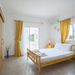Отель Protaras Views Villa Кипр, Протарас - отзывы, цены и фото номеров - забронировать отель Protaras Views Villa онлайн комната для гостей фото 3