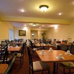 Отель Wilshire Crest Hotel Los Angeles США, Лос-Анджелес - отзывы, цены и фото номеров - забронировать отель Wilshire Crest Hotel Los Angeles онлайн питание фото 2