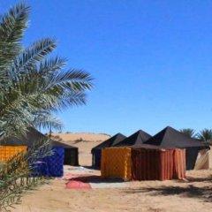 Отель Oasis Luxury Camp Марокко, Мерзуга - отзывы, цены и фото номеров - забронировать отель Oasis Luxury Camp онлайн вид на фасад