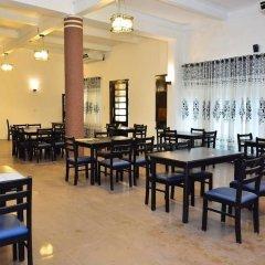 Отель Shalimar Hotel Шри-Ланка, Коломбо - отзывы, цены и фото номеров - забронировать отель Shalimar Hotel онлайн питание фото 2