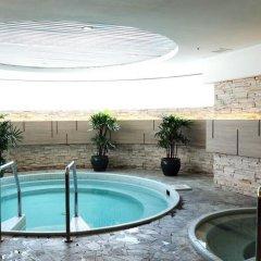 Отель Shangri-La Hotel Kuala Lumpur Малайзия, Куала-Лумпур - 1 отзыв об отеле, цены и фото номеров - забронировать отель Shangri-La Hotel Kuala Lumpur онлайн бассейн фото 2