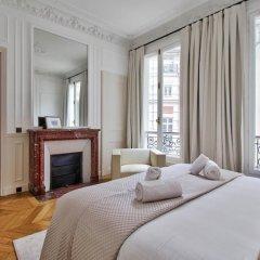 Отель Guest Trotter Bristol Франция, Париж - отзывы, цены и фото номеров - забронировать отель Guest Trotter Bristol онлайн комната для гостей фото 3