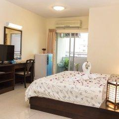 Отель Kv Mansion Бангкок сейф в номере