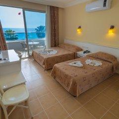 Azak Beach Hotel комната для гостей фото 4