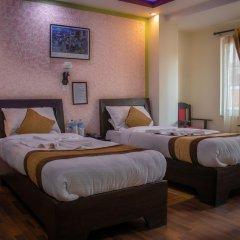Отель Alpine Hotel & Apartment Непал, Катманду - отзывы, цены и фото номеров - забронировать отель Alpine Hotel & Apartment онлайн сейф в номере