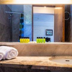 Отель Apollonia Hotel Apartments Греция, Вари-Вула-Вулиагмени - 1 отзыв об отеле, цены и фото номеров - забронировать отель Apollonia Hotel Apartments онлайн ванная фото 2