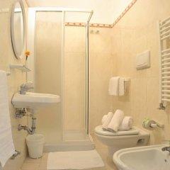 Hotel Prestige Римини ванная