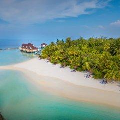 Отель Ellaidhoo Maldives by Cinnamon пляж