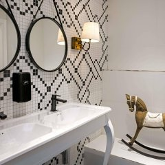 Отель Catalonia Gran Via ванная фото 2