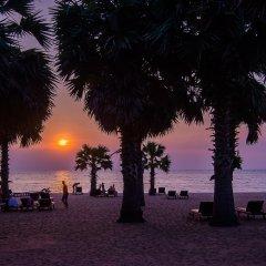 Отель Ravindra Beach Resort And Spa Таиланд, На Чом Тхиан - 6 отзывов об отеле, цены и фото номеров - забронировать отель Ravindra Beach Resort And Spa онлайн пляж