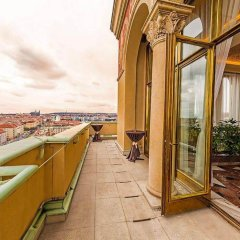 Hotel International Prague (ex. Сrowne Plaza) Прага балкон