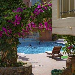 High Beach Hotel бассейн