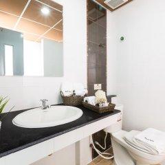 Отель Baron Residence Бангкок ванная