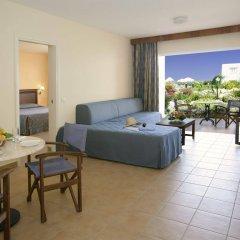 Отель Avanti Holiday Village комната для гостей