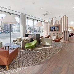 Отель Hampton by Hilton London Waterloo интерьер отеля фото 2