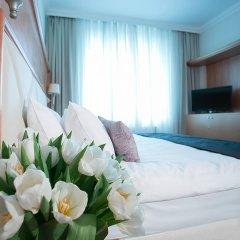 Гостиница Милан 4* Номер Комфорт с двуспальной кроватью фото 4