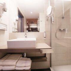 Отель Q Hotel Plus Wroclaw Польша, Вроцлав - 1 отзыв об отеле, цены и фото номеров - забронировать отель Q Hotel Plus Wroclaw онлайн ванная
