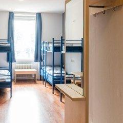 Отель A&O Wien Stadthalle Австрия, Вена - 11 отзывов об отеле, цены и фото номеров - забронировать отель A&O Wien Stadthalle онлайн комната для гостей фото 5