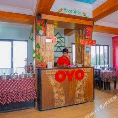 Отель OYO 412 Sunrise Moon Beam Hotel Непал, Нагаркот - отзывы, цены и фото номеров - забронировать отель OYO 412 Sunrise Moon Beam Hotel онлайн вестибюль
